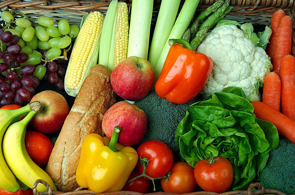 Chọn thực phẩm xanh, sạch, giàu vitamin thông minh cho bữa ăn gia đình