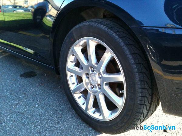 Nên chọn loại lốp giống kích cỡ với lốp nguyên bản