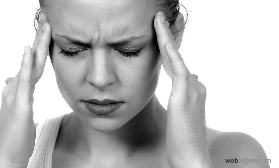 Đau đầu là một trong những tình trạng thường gặp nhất trong các bệnh lí