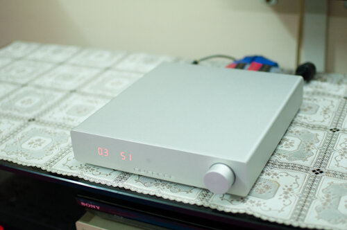 DDA-100 có kích thước khiêm tốn.