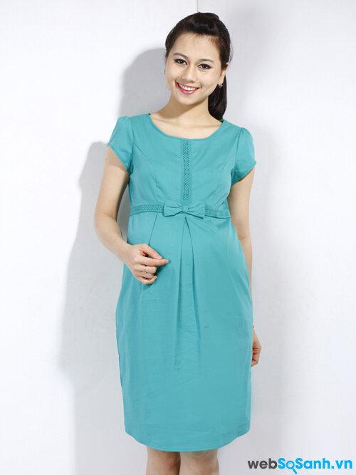 Một chiếc váy bầu xinh xắn sẽ giúp nàng tự tin hơn!