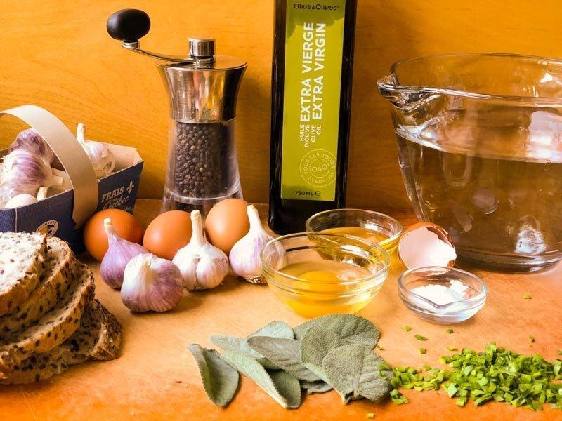 Dầu ô liu cung cấp dưỡng chất ngăn ngừa bệnh