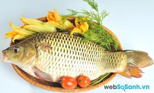 bạn có thể pha loãng giấm và đổ trực tiếp lên mình cá