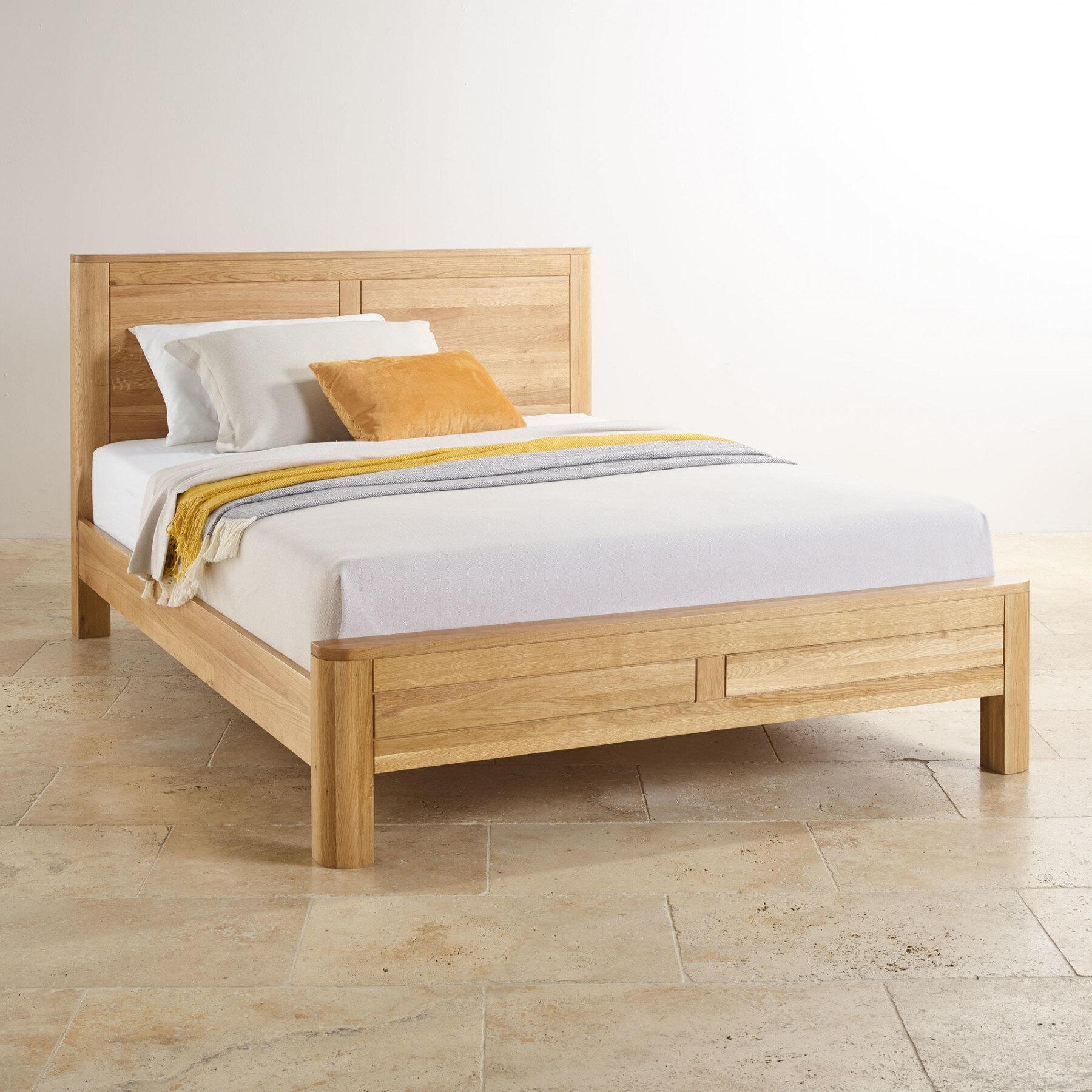 Chọn lựa giường đôi có kết cấu chắc chắn, pano tựa lưng vững chãi