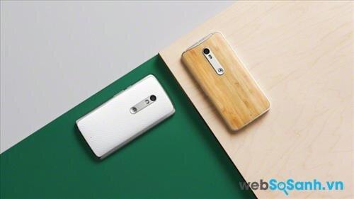Moto X Play (trái) và Moto X Style (phải)