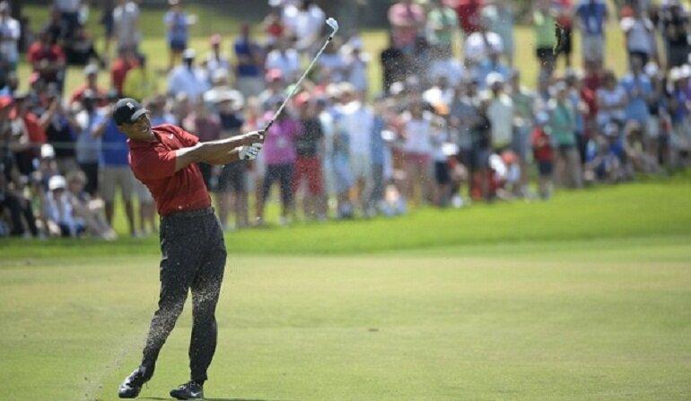 Giày golf tốt còn hỗ trợ các golfer làm chủ trận đấu và tung ra những cú đánh chuẩn xác nhất