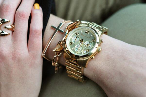 Lựa chọn đồng hồ phù hợp với cổ tay sẽ góp phần tạo điểm nhấn thu hút và thoải mái khi đeo