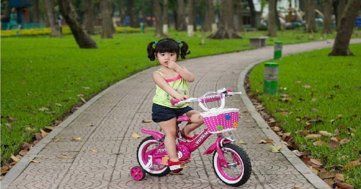 Xe đạp trẻ em 3 tuổi Nhựa Chợ Lớn có tốt không? Giá bao nhiêu?