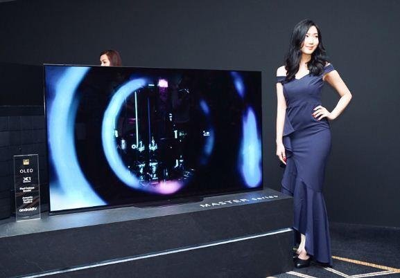 Thiết kế của tivi OLED Sony A9G hoàn toàn khác biệt với người anh tiền nhiệm