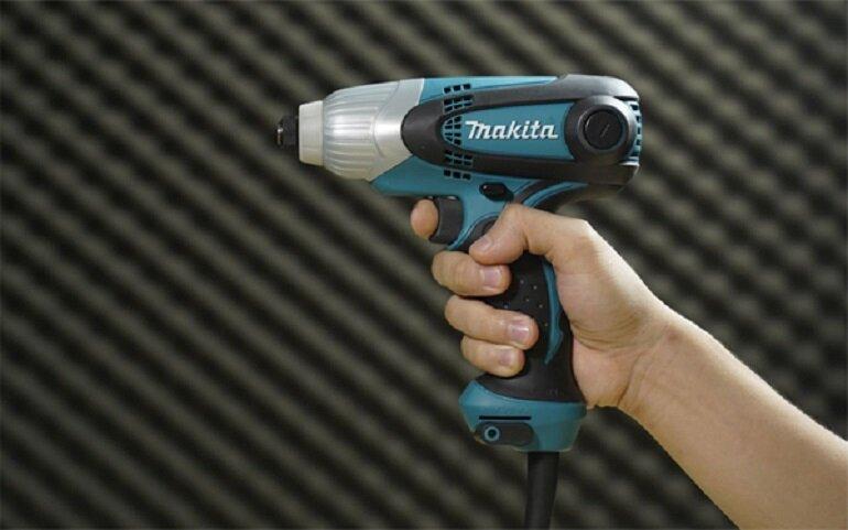 Máy khoan vặn vít dùng điện Makita TD0101