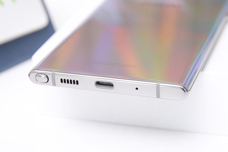 Samsung Note 10 Plus được trang bị pin 4300 mAh và công nghệ sạc nhanh