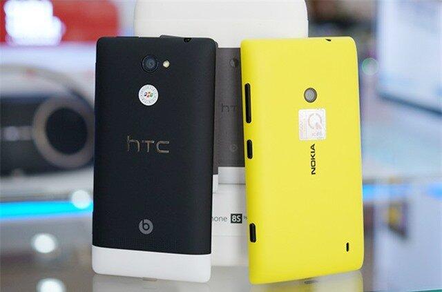 HTC 8S có thiết kế hiện đại hơn