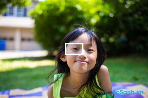 Tìm hiểu về khóa tiêu điểm và cách tránh chụp ảnh bị mờ   websosanh.vn