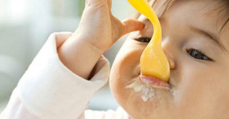 Váng sữa cho bé và những điều cần lưu ý