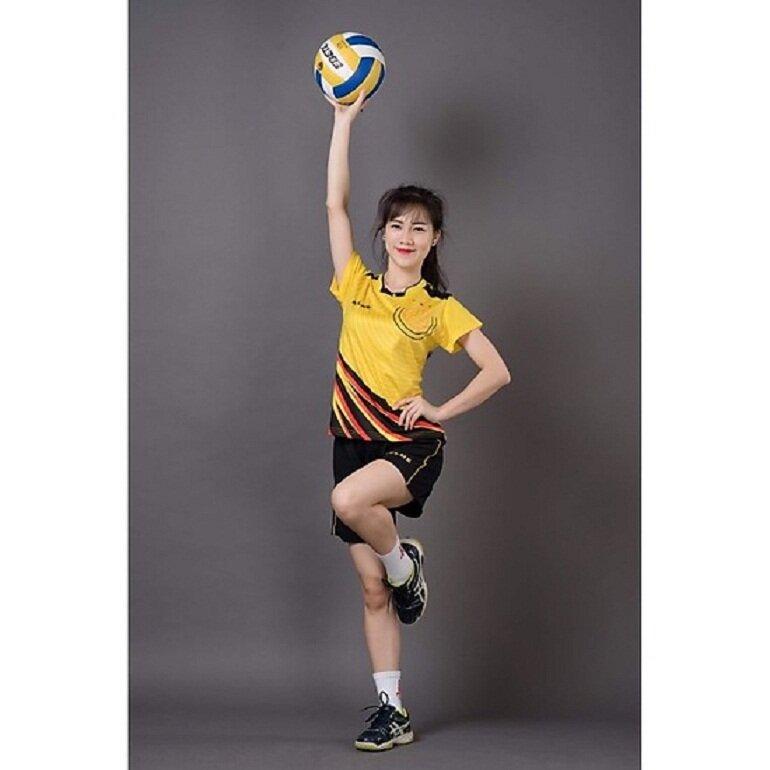 Bộ quần áo thể thao bóng chuyền nữ Keelme màu vàng