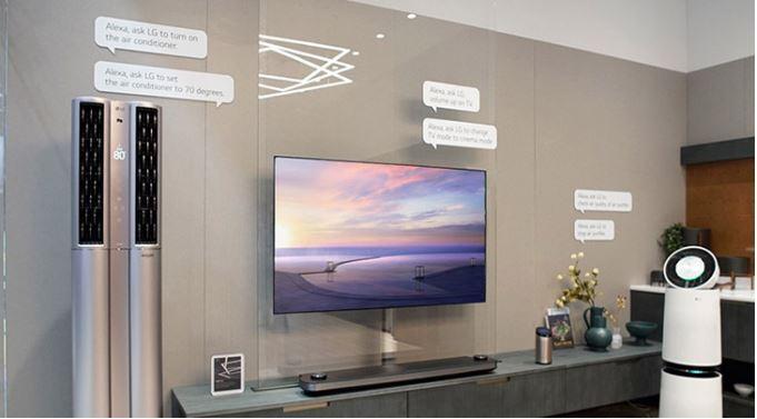 LG đẩy mạnh việc ứng dụng các tính năng thông minh tích hợp thông qua nền tảng trí tuệ nhân tạo AI ThinQ cùng trợ lí ảo Google Assistant và Amazon Alexa.