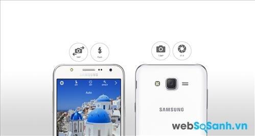 Trang bị đèn Flash cho camera trước sẽ là điểm giúp Galaxy J7 hút khách