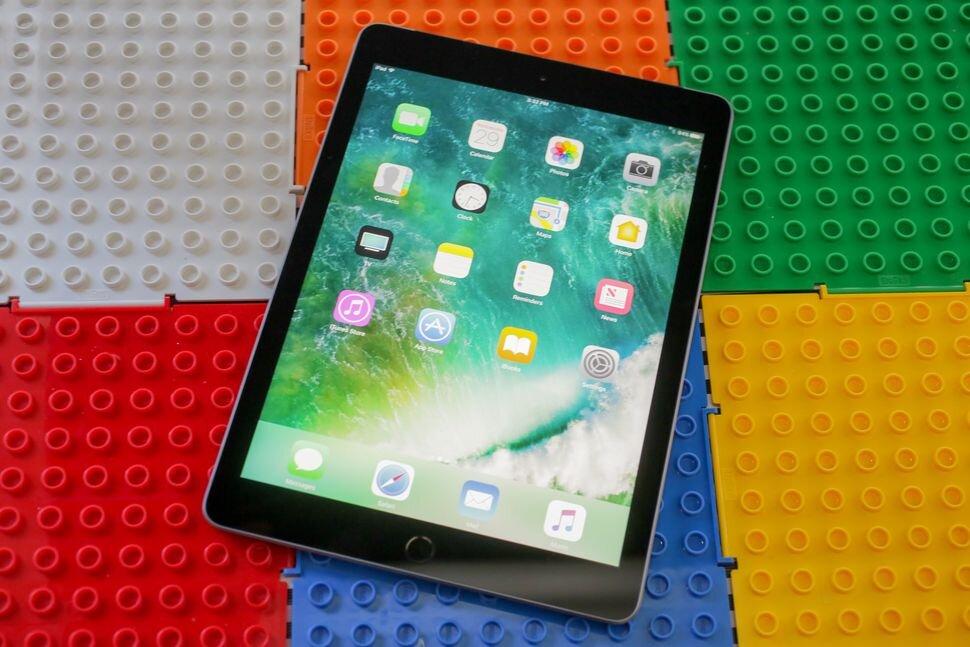 Màn hình iPad 2017 đảm bảo màu sắc tươi sáng, sắc nét.