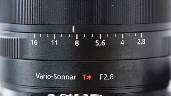 Ống kính Carl Zeiss Vario-Sonnar T* zoom 8.3X (8,8 - 73,3mm) khẩu f/2.8