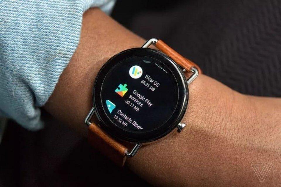 Hình ảnh chiếc đồng hồ thông minh đính mác Google