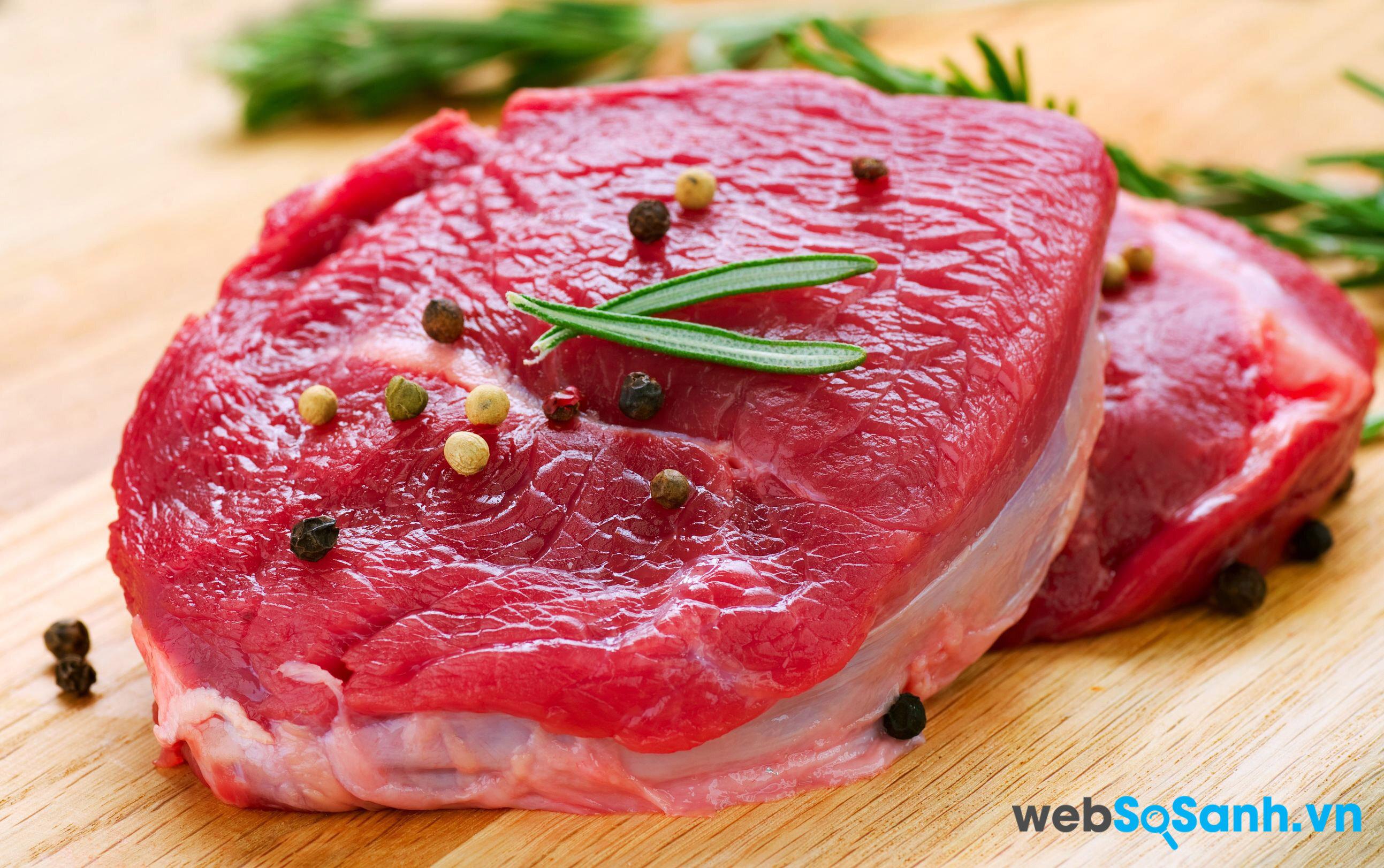 Nếu để lâu, nên cất thịt trong ngăn đá, đến khi ăn thì mang ra rã đông