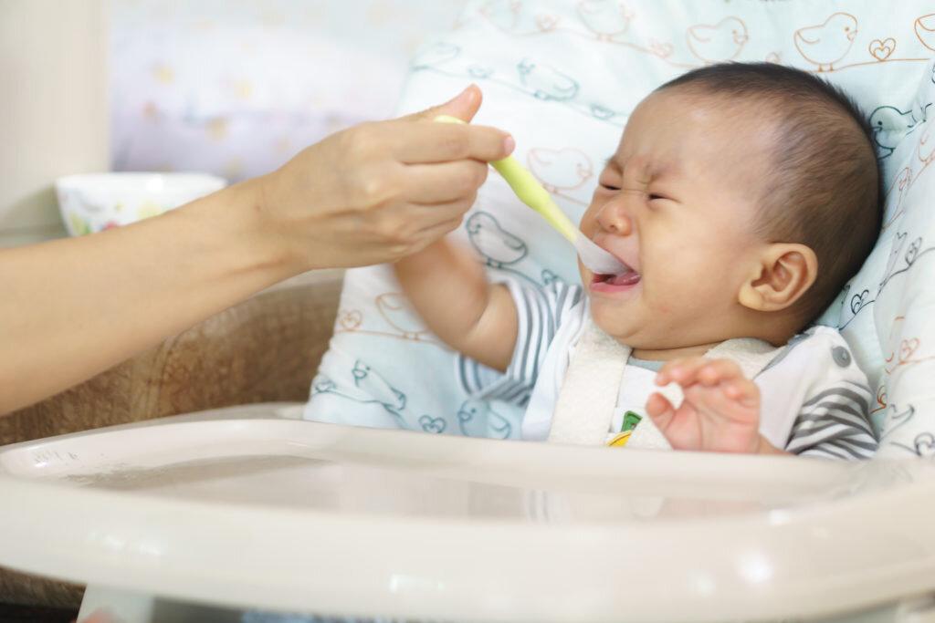 Tại sao bé biếng ăn, bố mẹ cần tìm hiểu rõ ràng để có hướng khắc phục đúng