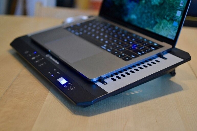 đế tản nhiệt laptop
