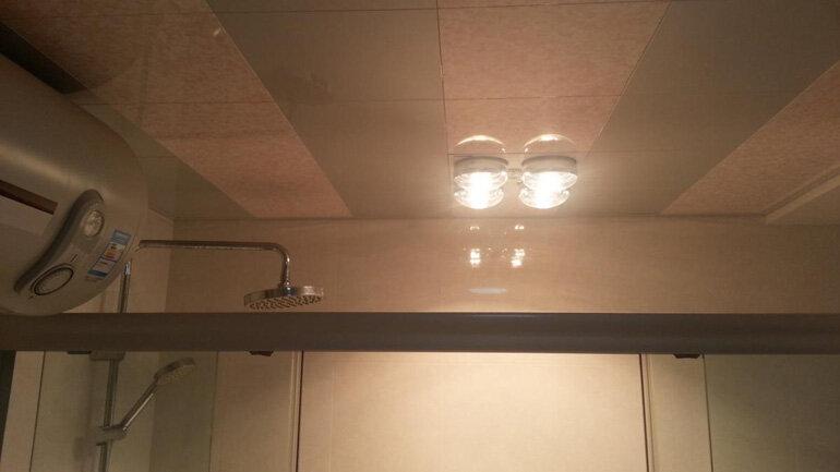 Đèn sưởi nhà tắm âm trần 4 bóng tiết kiệm không gian cho phòng tắm của bạn