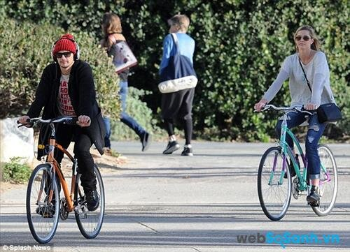 Nghe một bản nhạc trước khi đi xe đạp sẽ tốt hơn nếu bạn vừa đi xe vừa nghe nhạc