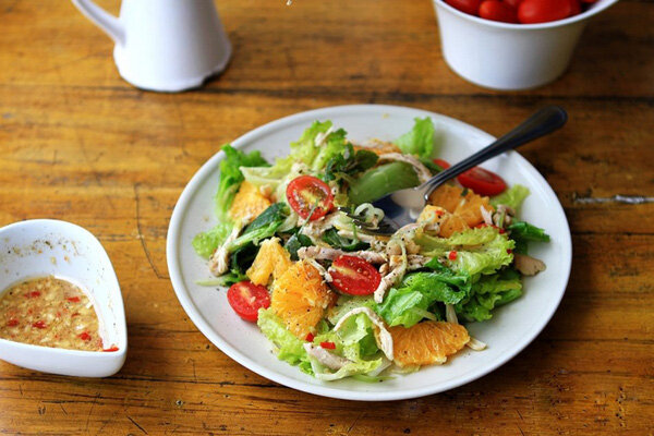 Salad gà buổi sáng