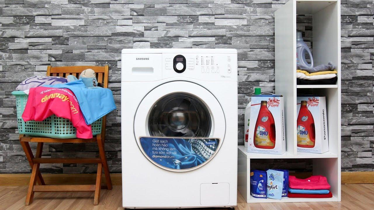Máy giặt Samsung có thiết kế hiện đại, tiện íc
