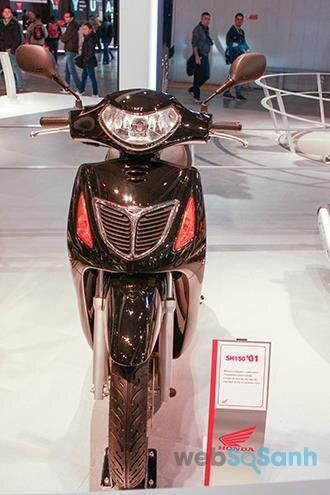 Honda SH thế hệ thứ 3 - SH đầu tiên xuất hiện tại Việt Nam