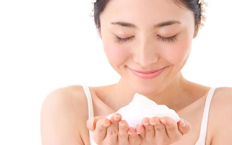 Hướng dẫn cách sử dụng sữa rửa mặt làm sạch sâu