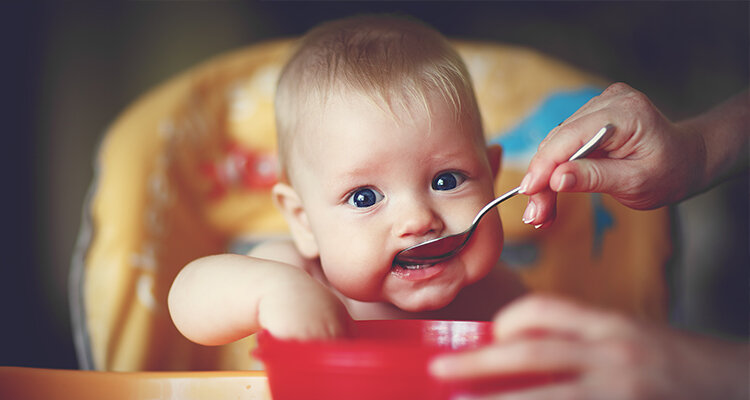 Bột ăn dặm không thể thiếu khi chăm con nhỏ