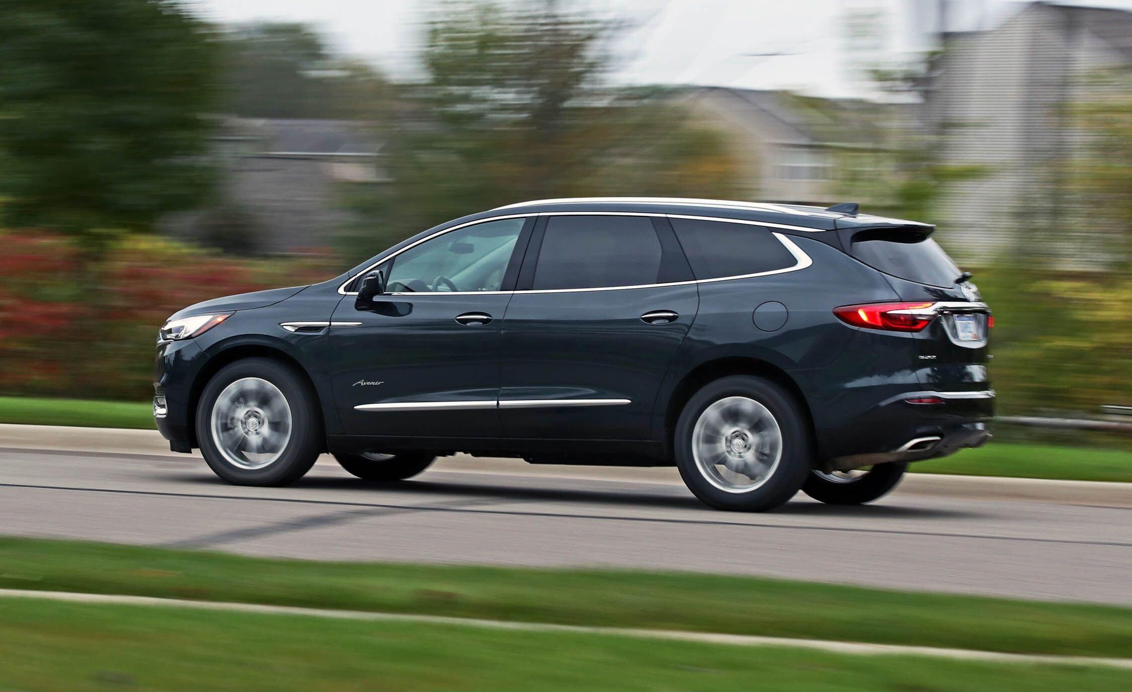 Buick Enclave mang đến không gian yên tĩnh riêng biệt cho người ngồi trong