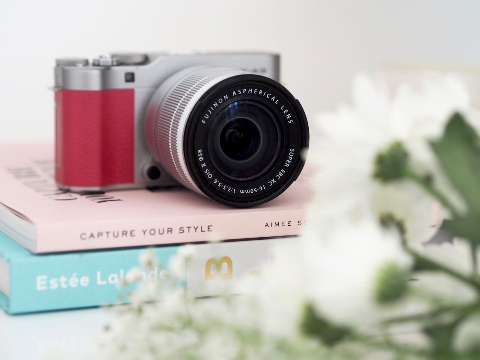 Fujifilm X-A3 màu hồng tươi tắn rất phù hợp với các bạn nữ