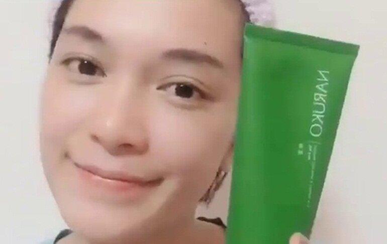 Sữa rửa mặt Naruko bùn tràm trà có tốt không?