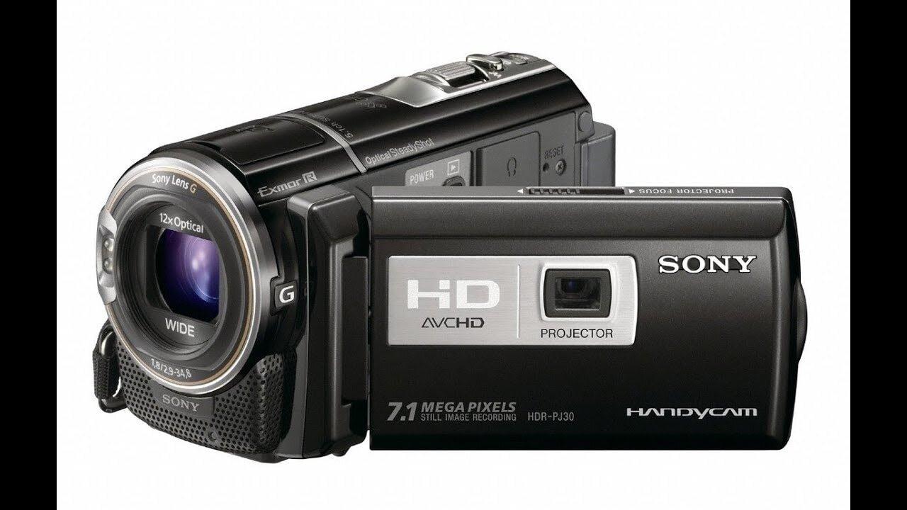 Là chiếc máy ảnh quay phim cho người mới