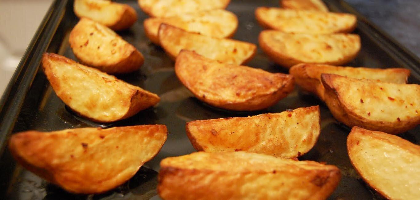 Còn gì tuyệt hơn khi thưởng thức món bim bim khoai tây phô mai hấp dẫn do chính tay mình làm