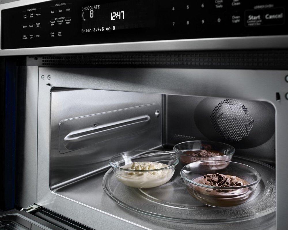 Lò nướng được thiết kế đồng bộ với gian bếp