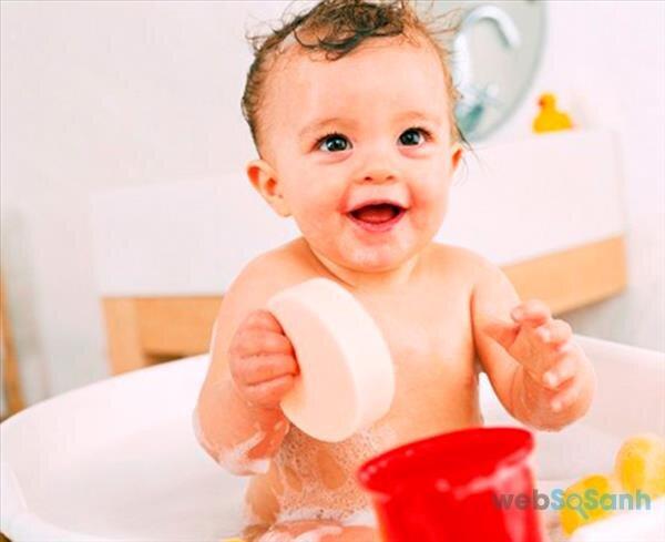 Sử dụng đèn sưởi nhà tắm để duy trì nhiệt độ phòng tắm là 27 độ