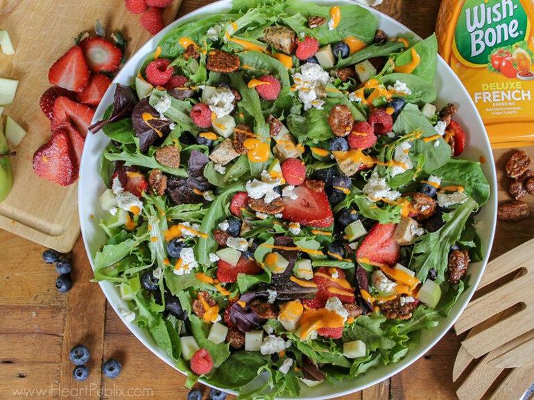 Salad trộn sốt mè rang thơm ngon