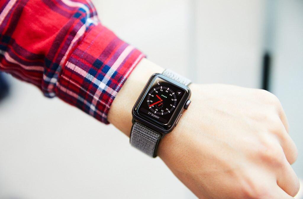 Có nên mua Apple Watch 3 không