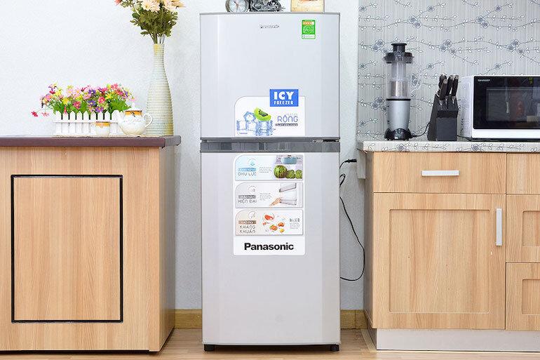 Tủ lạnh 2 cánh Panasonic NR-BV328GKVN, 322 lít, Inverter