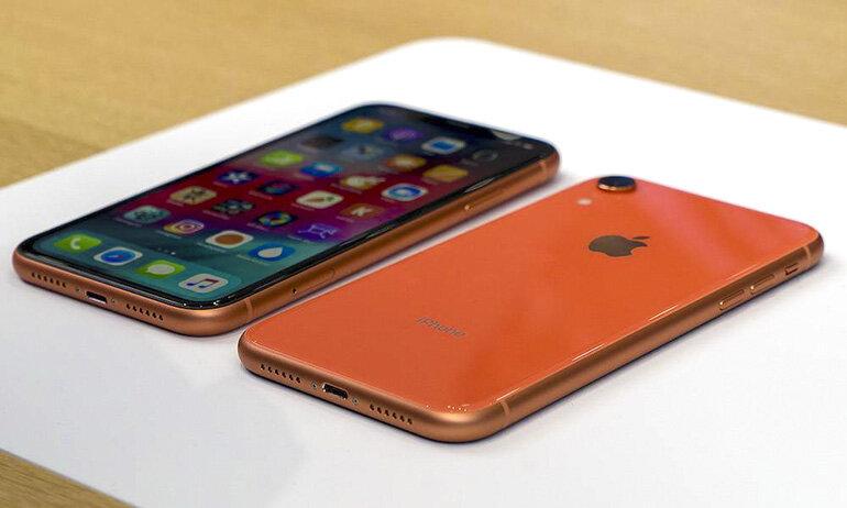 Nên mua điện thoại iPhone Xr hàng xách tay hay hàng chính hãng ở thời điểm hiện tại