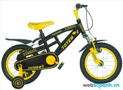 Bé trai cần những chiếc xe đạp có họa tiết mạnh mẽ