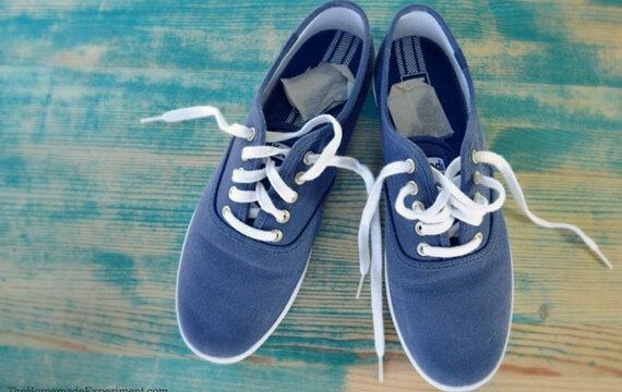 Trà túi lọc giúp khử mùi hôi của giày