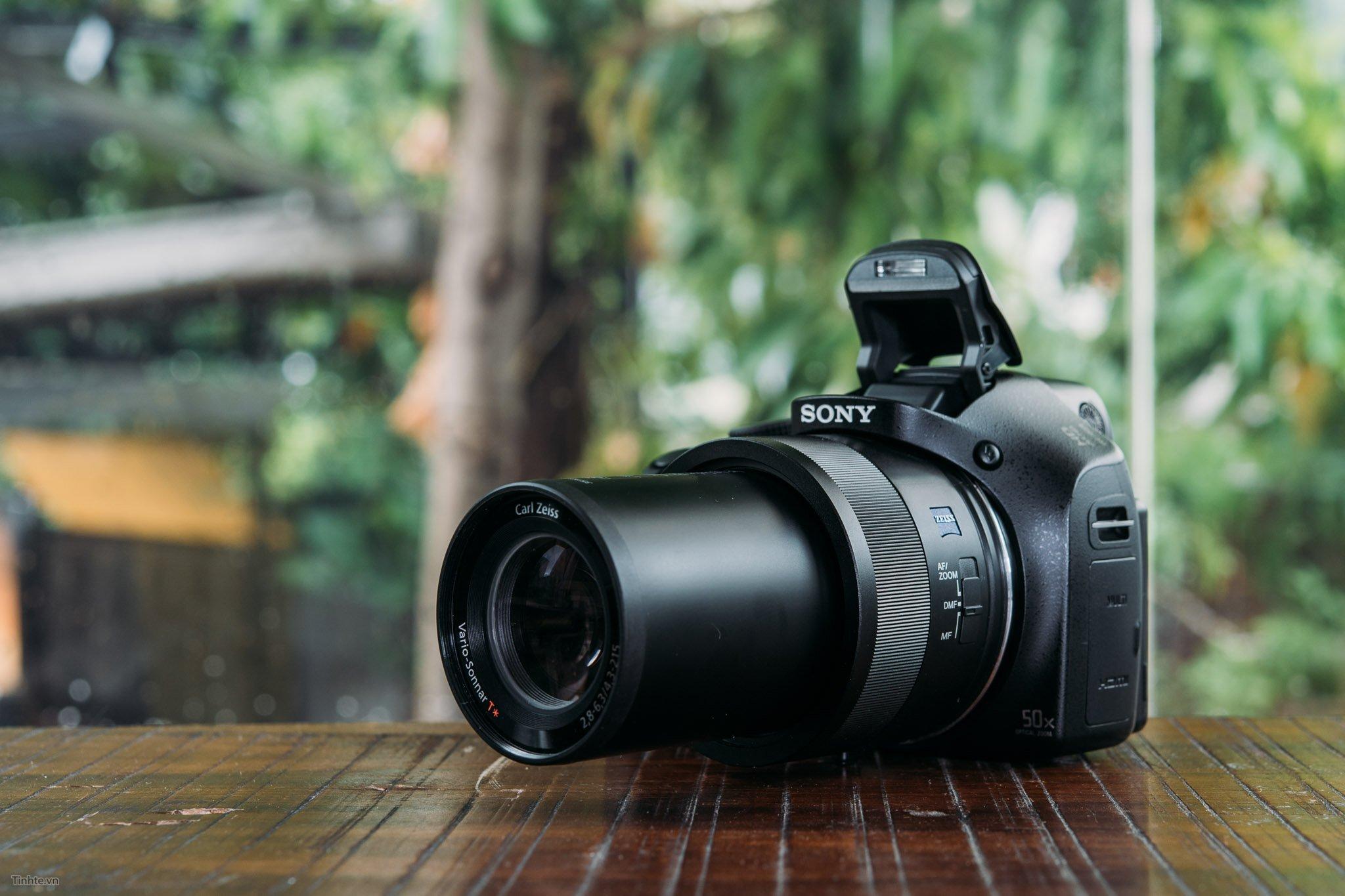 Máy ảnh du lịch giá rẻ Compact Sony Cyber-shot DSC-H400