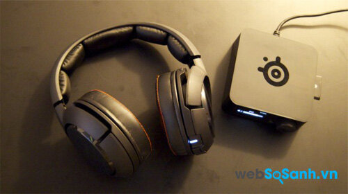 Chiếc tai nghe SteelSeries H