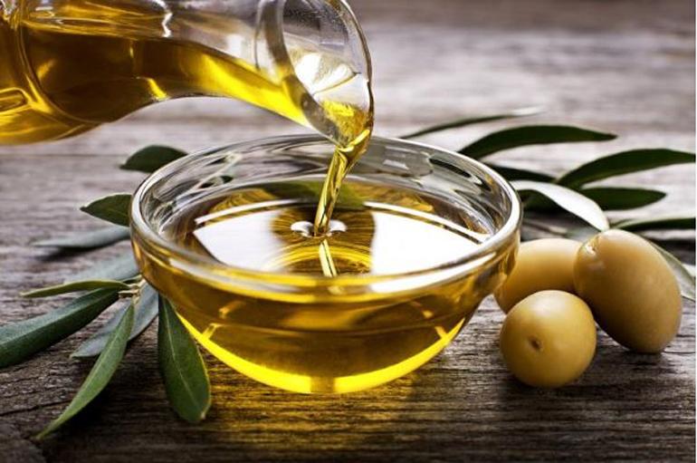 Mẹ có thể dùng các loại dầu thực vật và động vật